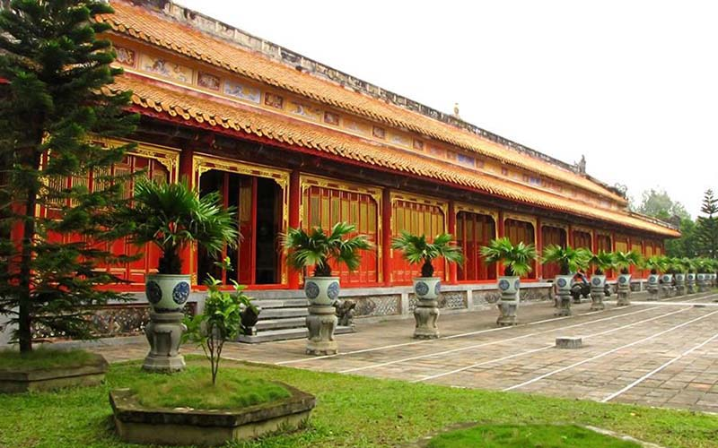 Shrine area - Hue imperial City Guide