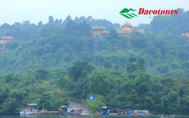 Truoi Lake Truc Lam Zen Manastery