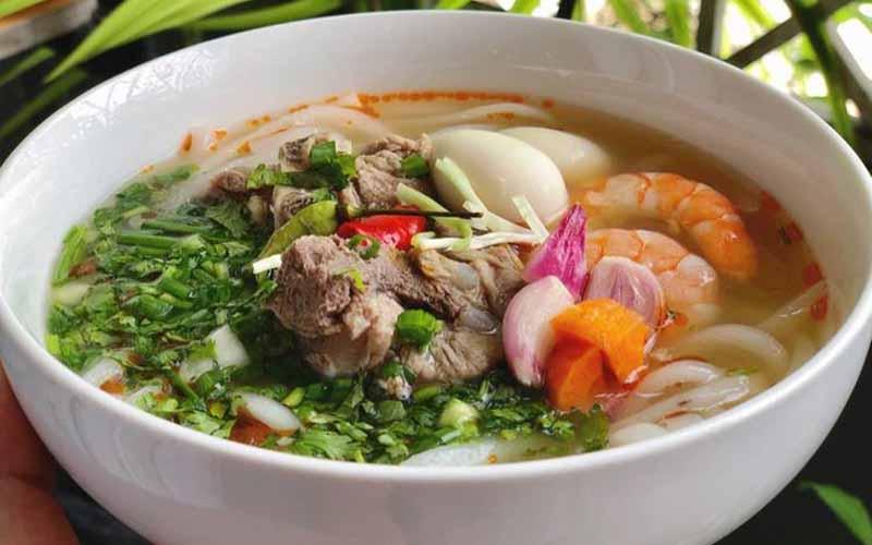 Vietnamese cake soup