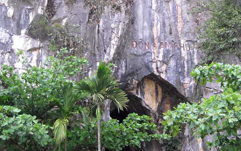 Hell cave - Marble mountain in Da Nang
